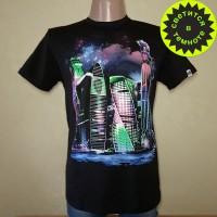"""Светящаяся футболка  """"Ночной город"""""""